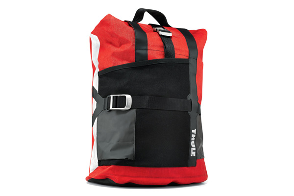 3489-thule-pack-n-pedel-commuter-pannier-mars-angle-stock