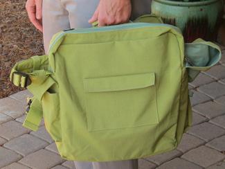 BackTpack in briefcase mode