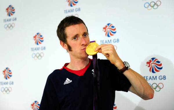 Bradly Wiggins Kissing an Olympic Gold Medal